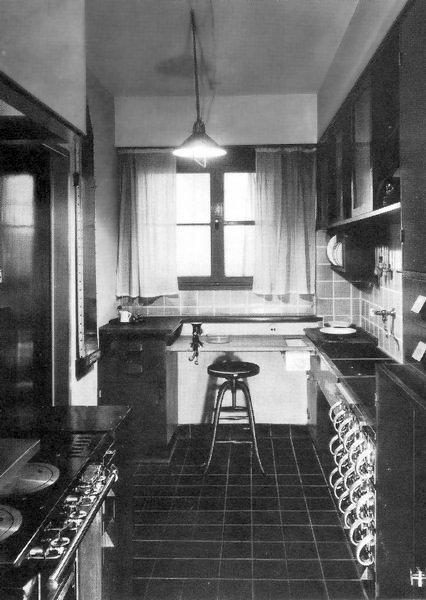 Wohnen in der Frankfurter Küche